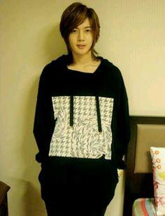 Kim Hyun Joong 김현중 ♡ Kpop ♡ Kdrama ♡ long hair ♡ SS501 ♡