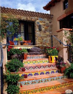 Hacienda Tiled Staircase-great way to add a little funk to plain on boring stairs Spanish Style Homes, Spanish House, Spanish Revival, Spanish Patio, Mexican Style Homes, Spanish Home Decor, Spanish Colonial Decor, Mexican Style Decor, Spanish Courtyard