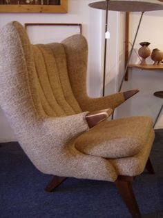 Mid-century modern Easy chair in the style of the Iconic Hans Wegner Papa Bear Chair