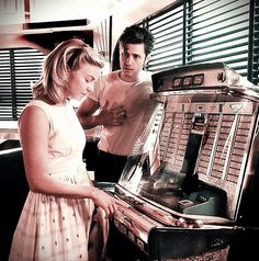 """""""Sandy, what'd I do?"""" Sandy, what'd I do? Theatre Nerds, Musical Theatre, Sandy Grease, Grease Live, Grease Is The Word, Grease Hairstyles, Aaron Tveit, Olivia Newton John, Cult Movies"""