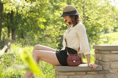 love everything about this outfit: hat, bag, shirt, short, shoes; perfect for warm summer days.