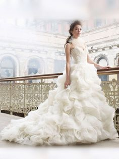 Dramatic Organza Ball Gown Sweetheart Wedding Dress with Voluminous Layered Skirt