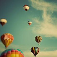 despite my fear of heights, one day I shall go on a hot air baloon ride