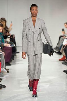8dc01aa9350c42 14 Best New York Fashion Week Calvin Klein FW17 images