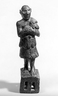 Standing male worshiper Metropolitan Museum  Period:     Early Dynastic IIIb Date:     ca. 2500–2350 B.C. Geography:     Mesopotamia Culture:     Sumerian Medium:     Copper alloy