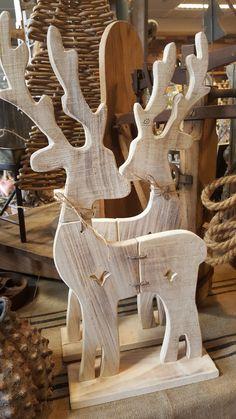 Houten , decoratieve @ GoedGevonden - All For Garden Christmas Wood Crafts, Outdoor Christmas, Rustic Christmas, Christmas Art, Christmas Projects, Christmas Decorations, Wooden Projects, Wooden Crafts, Wood Reindeer