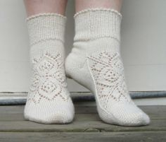 Knitting Lace Socks Libraries 45 Ideas For 2019 Lace Socks, Crochet Socks, Knitted Slippers, Knit Mittens, Knit Crochet, Knit Socks, Lace Knitting, Knitting Socks, Knitting Stitches