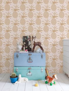 Get inspired by fun kids room decor ideas including organization accents, children's tipis, and plush rugs. Domino magazine shares kids room decor ideas to try in your home. Pineapple Wallpaper, Tropical Wallpaper, Florida Wallpaper, Casa Kids, Deco Kids, Design Repeats, Kids Wallpaper, Deco Design, Design Design