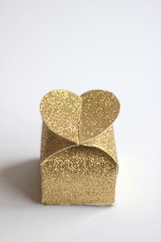 How to make glitter Valentine's heart boxes - The House That Lars Built