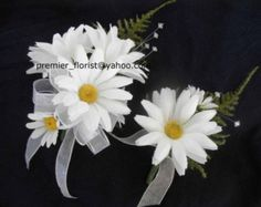 wrist corsage made with daisy | Set of 4 Wedding WHITE DAISY Corsages Boutonnieres. 4pc set has 2 of ...