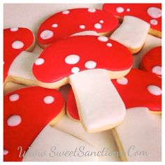 Hey, I found this really awesome Etsy listing at https://www.etsy.com/listing/161679083/mushroom-designer-custom-cookies