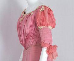 Edwardian Clothing at Vintage Textile: #1411 belle Epoque gown detail 1902
