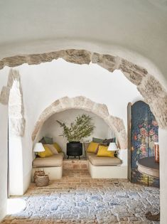 See a Centuries-Old House in Puglia Transformed Decoration Hall, Decoration Photo, Decoration Christmas, Decoration Bedroom, Decoration Design, Italian Cottage, Italian Villa, Italian Home Decor, Inspiration Design