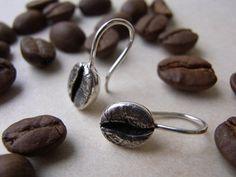 Kaffeebohnen Ohrhänger, Silber von Schmuckeritis auf DaWanda.com