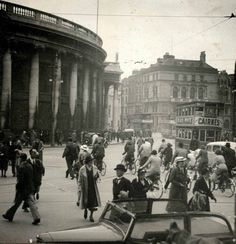 View from front of Trinity College looking towards Bank of Ireland and diwn towards Westmoreland Street, Dublin Dublin Street, Dublin City, Dublin Ireland, Ireland Travel, Old Pictures, Old Photos, Images Of Ireland, Photo Engraving, Ireland Homes