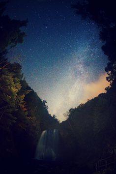 Waterfall under starry night sky <3