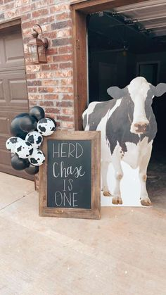 Cow Birthday Parties, Baby Birthday Themes, 1st Boy Birthday, 1st Birthday Party Ideas For Boys, Rodeo Birthday, Kids Party Themes, Theme Parties, Baby Party, Baby Bash