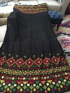 Embroidery On Kurtis, Kurti Embroidery Design, Hand Embroidery Dress, Embroidery Works, Balochi Dress, Kids Dress Wear, Choli Blouse Design, Blouse Designs, Kutch Work Saree
