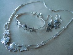 IMG_1164 – Kopio Fork Jewelry, Hair Jewelry, Silver Spoons, Chainmaille, Making Ideas, Metal Working, Native American, Jewerly, Diy And Crafts