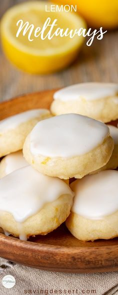 Lemon Meltaways ~ Light and buttery, these lemon bite-sized cookies are a real treat! Easy to make and the perfect little bite of lemon! Recettes de cuisine Gâteaux et desserts Cuisine et boissons Cookies et biscuits Cooking recipes Dessert recipes Cookie Desserts, Just Desserts, Cookie Recipes, Delicious Desserts, Dessert Recipes, Yummy Food, Bite Sized Desserts, Yummy Treats, Cookie Tips