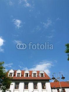 Blauer Himmel über dem Langen Gottfried in Oerlinghausen im Teutoburger Wald bei Bielefeld in Ostwestfalen-Lippe