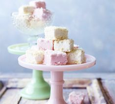 Coconut-ice marshmallows from BBC Good Food Magazine, January 2013 by Sarah Cook Recipes With Marshmallows, Marshmallow Recipes, White Marshmallows, Homemade Marshmallows, Cocktails, Pink Foods, Bbc Good Food Recipes, Delicious Recipes, Eyes