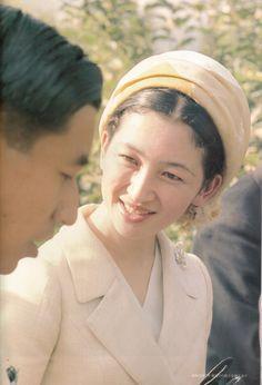 天皇皇后両陛下 as 皇太子継宮明仁親王(つぐのみやあきひとしんのう)殿下, 同妃美智子(みちこ)殿下時代  Crown Princess Michiko of Japan