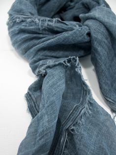 I want a denim-colored scarf to wear with a white long sleeve tshirt and jeans. This one is a Faliero Sarti Nespola Scarf