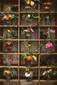 Andy Festival, le rendez-vous arty dédié au mariage revient à Paris http://www.vogue.fr/mariage/adresses/diaporama/andy-festival-le-rendez-vous-arty-ddi-au-mariage-revient-paris/23452#andy-festival-le-rendez-vous-arty-ddi-au-mariage-revient-paris-3