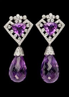 EARRINGS, brilliant cut diamonds, 1.63 cts, with hanging briolette cut amethysts. - Bukowskis