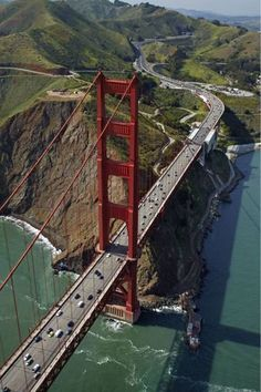 Für diesen Ausblick müsste man in die Lüfte aufsteigen. Und auch das ist in San Francisco möglich: bei einem Ballon- oder Helikopterflug.