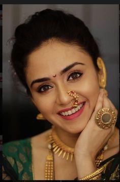 Ideas makeup photography pink faces for 2019 Indian Makeup Looks, Indian Bridal Makeup, Indian Bridal Fashion, Saree Photoshoot, Bridal Photoshoot, Wedding Looks, Bridal Looks, Nose Ring Jewelry, Nose Rings