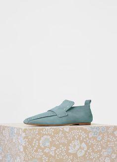 Soft Moccasin Studded Loafer in Suede Kidskin - セリーヌについて
