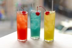 Non-alcoholic summer drinks... for those of us under 21... and those of us whose mothers think alcohol is of the devil.