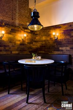 'Gewaagd proeflokaal' in Arnhem, The Netherlands. Interior design by Lenny Combé Design. Photography by Menno van der Meulen Bar Interior, Interior Design, Netherlands, Wall Lights, Lighting, Table, Photography, Van, Furniture