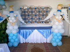 manualidades para hacer en casa de bautizo - Buscar con Google Communion Decorations, Ballon Decorations, Baptism Decorations, Balloon Pillars, Balloon Arch, Wedding Balloons, Birthday Balloons, Baptism Themes, Christmas Parade Floats