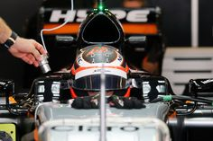 Watch out Nico Hulkenberg someone is stealing your charger😜