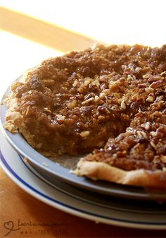 Caramel Apple Pie with Crumb Topping