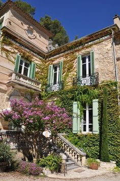 Moulin de la Roque, Noves, Provence: charming villa Maison du Meunier: beautiful quaint house!