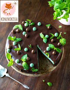 Minttu-browniekakku Brownietaikina: 1 ½ ps (105 g) Meira saksanpähkinöitä 175 g voita 120 g tummaa suklaata 2 ¾ dl sokeria 2 tl Meira vaniljasokeria ¼ tl Meira suolaa...