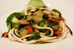 Nudelsalat-Wraps mit Algen