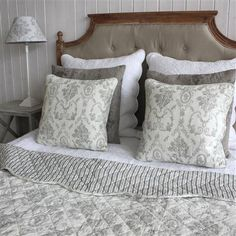 Brand new and beautiful Biggie Best bedding accessories today on ACHICA! Co-ordinate your bedroom with these ranges of bedspreads, cushions and lamps. Soft Furnishings, Room, Grey Furniture, Home, Bedding Accessories, Gorgeous Bedrooms, Bed, Home Decor Shops, Sale Design