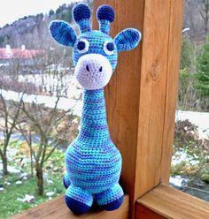 Žirafa Žirafa Háčkovaná hračka pro děti. Je vyrobena ze směsové příze Kateřina(bavlna, akryl). Žirafa je vycpána dutým vláknem. Na výšku nám žirafka vyrostla do 37cm. Možnost praní v ruce. Žirafa je vyrobena podle návodu - zuzalinkaa, v případě zájmu může mít jakoukoliv barvu. Každá hračka je originál, proto se může maličko lišit(od původní fotografie) v ...