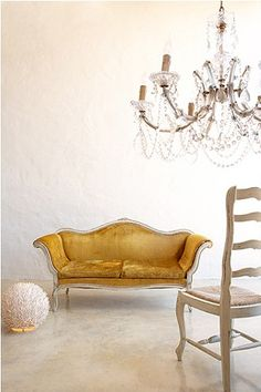 Inspiring Yellow Sofas To Perfect Living Room Color Schemes 34 - DecOMG Do It Yourself Design, Yellow Sofa, Upholstery Foam, Upholstery Repair, Upholstery Nails, Upholstery Cleaning, Furniture Upholstery, Furniture Design, Living Room Color Schemes