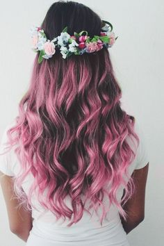 The Purple hair Color is the best and unique . In this Hair Color there is the best purple hair color with the Flowers Style. Cute Hair Colors, Pretty Hair Color, Beautiful Hair Color, Hair Color Pink, Pink Hair, Hair Colours, Ombre Colour, Curly Purple Hair, Blonde Hair