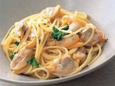 桂  南光 さんのスパゲッティを使った「ボンゴレ・ビアンコ」。あさりの蒸し汁を煮詰めてからのばすことで、ソースにコクがでます。 NHK「きょうの料理」で放送された料理レシピや献立が満載。