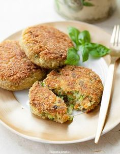 Kotlety z cukinii Lunch Recipes, Vegetarian Recipes, Cooking Recipes, Healthy Recipes, I Love Food, Good Food, Yummy Food, Allergies Alimentaires, Foods With Gluten