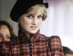 Princes Diana... In 1980 maakte de wereld maakte kennis met haar en sloot haar en masse in de armen. In '81 keek ook ik naar het sprookjeshuwelijk tussen haar en de Engelse kroonprins Charles, nog niet wetende wat voor een tragedie haar te wachten zou staan...