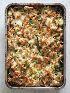 Pasta i mornaysovs med kylling, broccoli og porrer (Beetroot Bakery) Dinner Is Served, 20 Min, Food Humor, One Pot Meals, Food Cravings, Food Inspiration, Italian Recipes, Love Food, Meal Planning