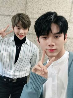 Find images and videos about kpop, wanna one and daniel on We Heart It - the app to get lost in what you love. Jinyoung, Jaehwan Wanna One, Ong Seung Woo, One Twitter, Twitter Update, Daniel K, Non Fiction, Produce 101 Season 2, Thing 1